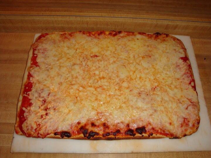 GM Snack Bar Pizza